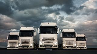 トラック5台体制